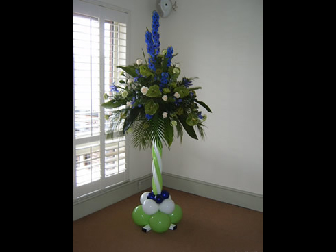 pedestal flower arrangement balloon pedestal